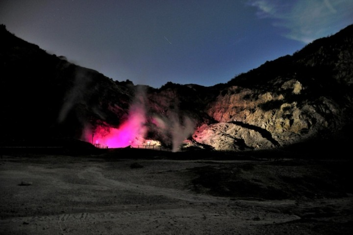 Volcanic Illumination: The Solfatara