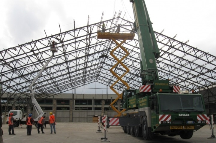 Demolition of NSA Naples Hanger 405